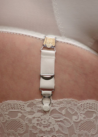 Berdita Long Suspender Clip Metal